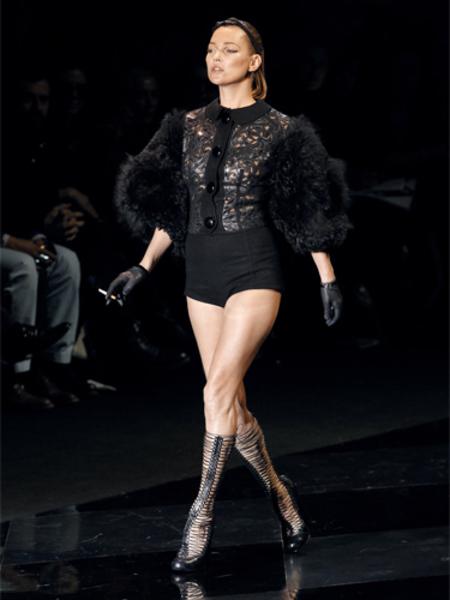 BEST KATE MOSS MOMENTS: Louis Vuitton at Paris Fashion Week