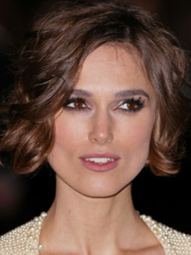 Bunnylust http://www.handbag.com/beauty/news/a422270/five-steps-tokeira-knightleys-wearable-red-carpet-look.html