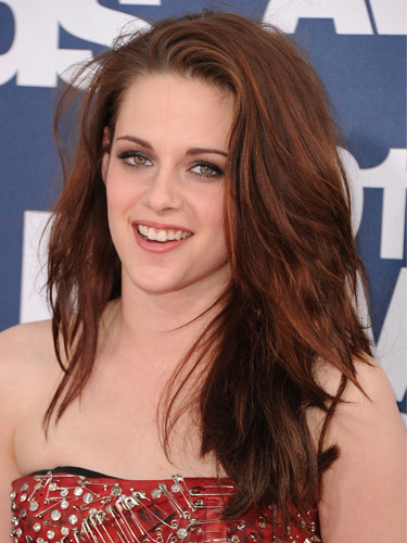 Kristen Stewart's rock-textured red hair