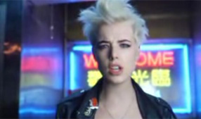 Agyness Deyn exclusive video interview
