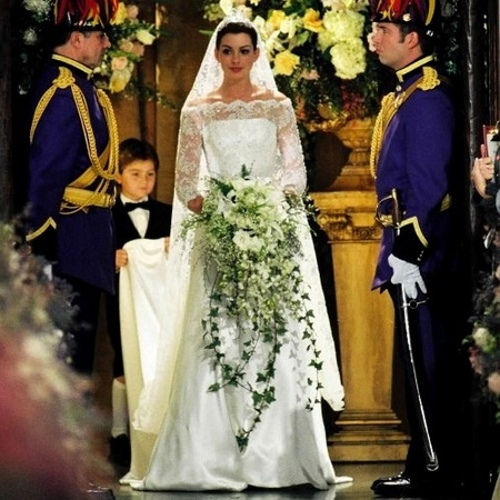 Anne Hathaway princess diaries 2 wedding dress
