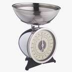Get baking with these retro kitchen scales