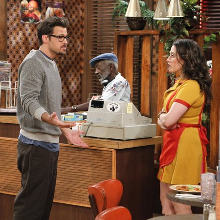 2 Broke Girls episode still