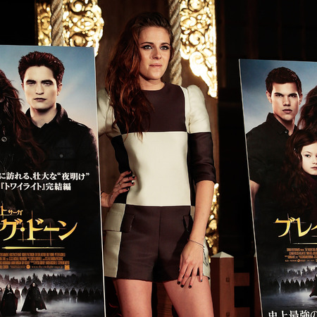 Kristen Stewart in Louis Vuitton SS13 Twilight photocall