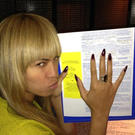 Beyoncé goes make-up free to vote in US Presidential Election