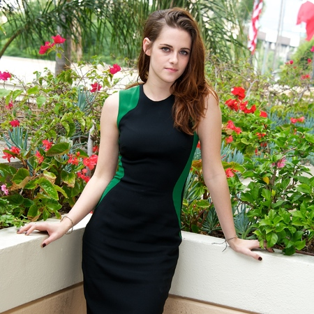 Kristen Stewart at LA Twilight Breaking Dawn Part 2 press conference