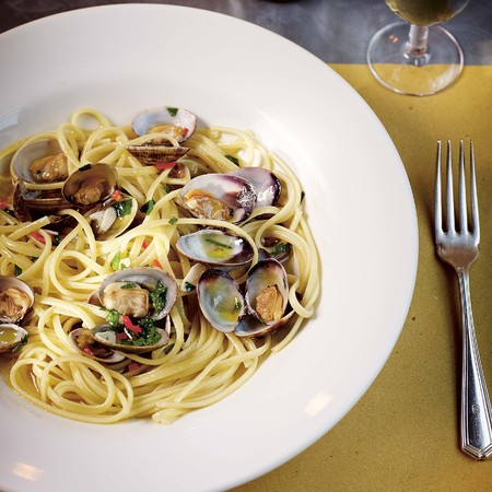 Linguine Vongole with clams, garlic and parsley