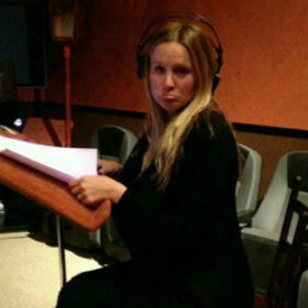 Kristen Bell recording Gossip Girl