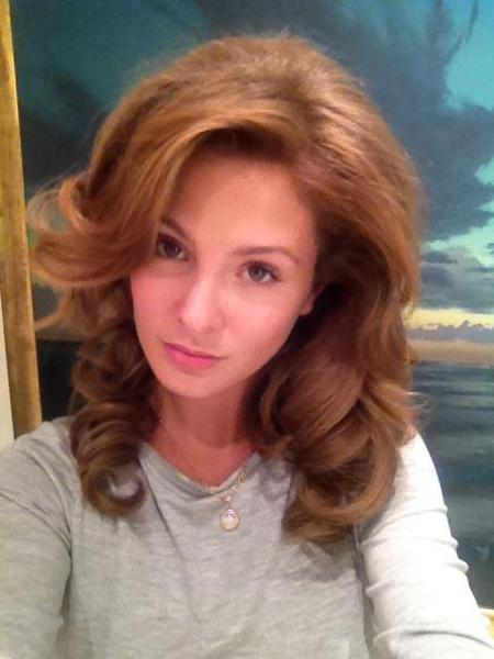 Millie Mackintosh does voluminous 1950's curls