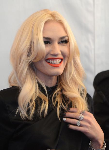 HAIR ENVY: Gwen Stefani's carefree EMA curls