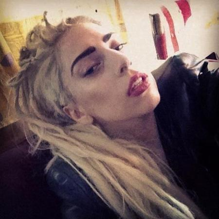 Lady Gaga has new dreadlocks for the holidays