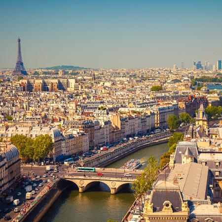 <strong>Paris</strong>