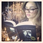 Miranda Kerr tweets book recommendation