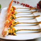 King prawn canapés with mango and chilli