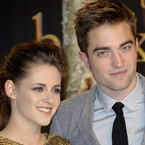 Robert Pattinson & Kristen Stewart split again...maybe