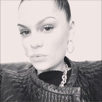 Jessie J prepares to shave her head