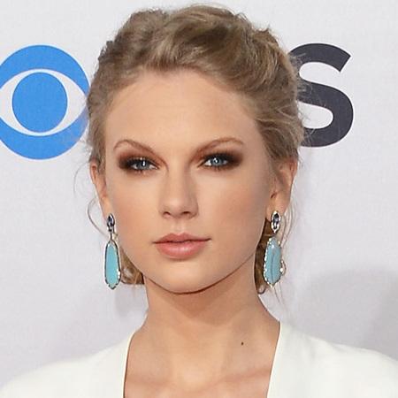 Taylor Swift at People's Choice Awards 2013