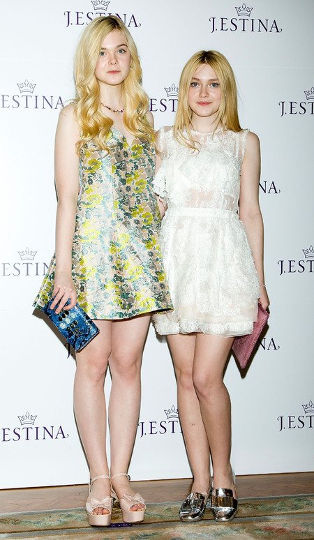 Elle and Dakota Fanning share sisterly love for Miu Miu shoes