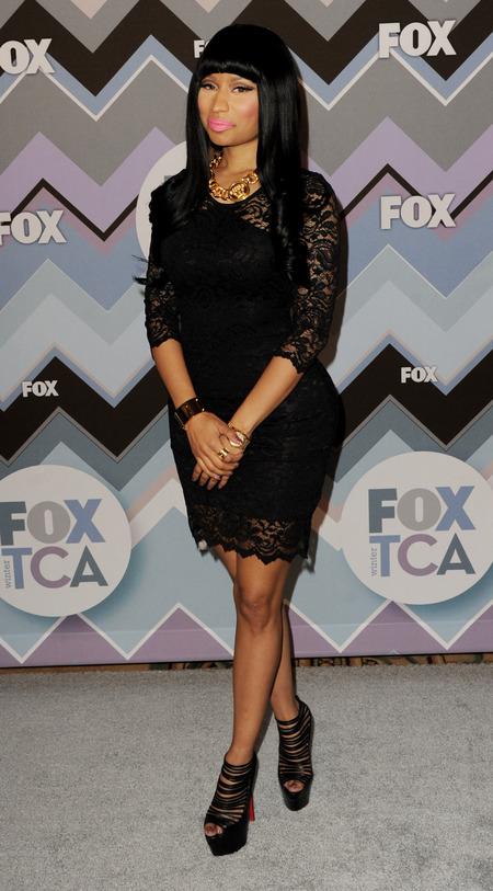 Nicki Minaj does demure black dress for FOX TCA tour