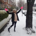 Pregnant Fearne Cotton wraps up her baby bump for a snow day