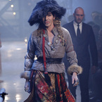 DOES JOHN GALLIANO DESERVE OSCAR DE LA RENTA OFFER?