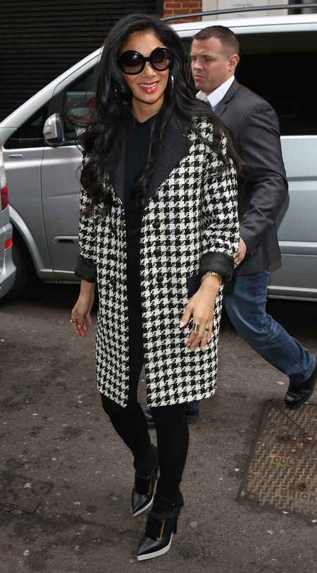 COAT CRUSH: Nicole Scherzinger's houndstooth prints