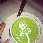 Tasty Tweets: Miranda Kerr's leafy green soup
