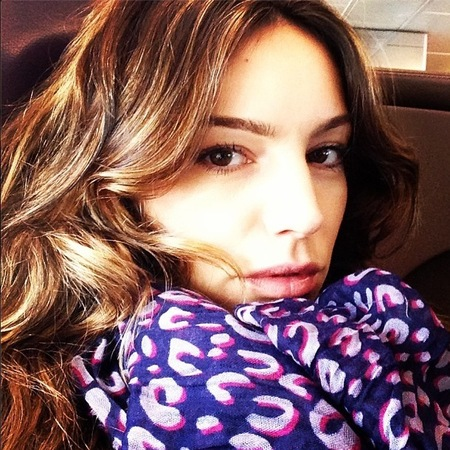 Kelly Brook wraps up in Louis Vuitton printed scarf
