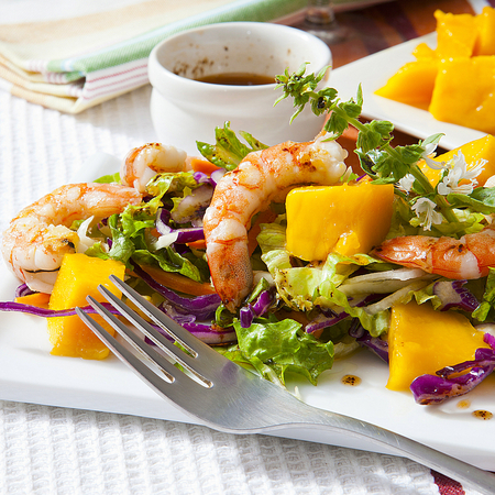 Pomelo Salad with chilli, prawns and peanuts