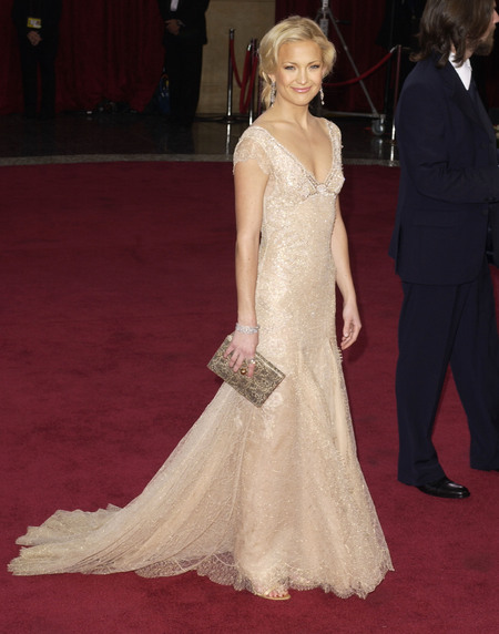 Kate Hudson in ivory Versace at the 2003 Oscars