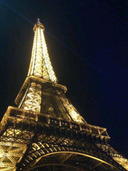 Victoria Beckham Paris Tweet