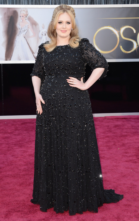 Adele wears black Jenny Packham dress