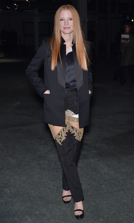 Jessica Chastain new hair at Paris Fashion Week