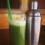 Tasty Tweet: Rosie HW & the homemade green juice