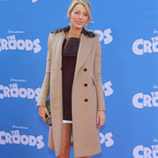 COAT CRUSH: Blake Lively's Burberry cashmere coat