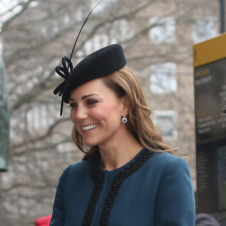 Kate Middleton wears vintage style hat