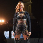 WATCH: Rihanna hits fan with her microphone