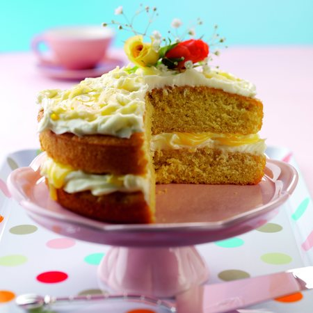 Ginger and lemon sponge cake