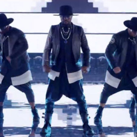 Will.i.am and Justin Bieber music video - #thatPOWER