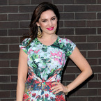 Kelly Brook shows us how to wear summer dresses