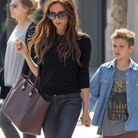 Victoria Beckham's purple shopper bag