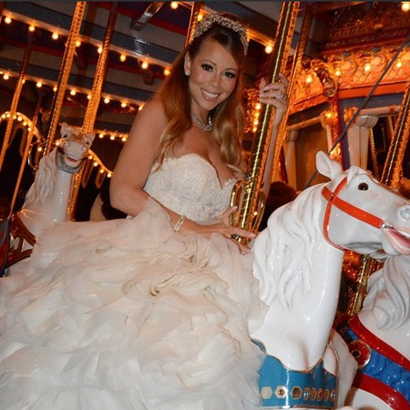 Mariah Carey renews wedding vows in princess themed wedding at Disney