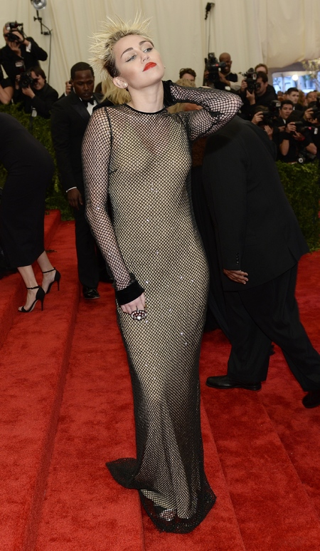 Miley Cyrus wears Marc Jacobs dress to Met Ball 2013