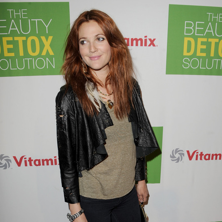 Drew Barrymore The Beauty Detox Solution