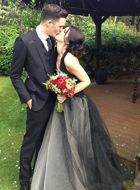 Shenae Grimes wears black Vera Wang wedding dress