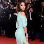 CANNES: Eva Longoria's no pants fashion flash
