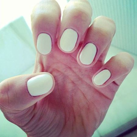 Jessie J short white nails