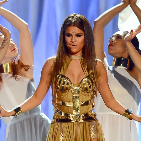 Selena Gomez performs Come and get it at the Billboard music awards 2013