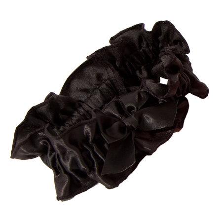 10. The garter retrieval