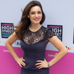 Kelly Brook rocks navy lace at High Street Awards